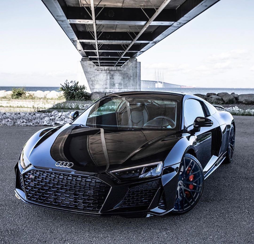 𝐀𝐮𝐝𝐢 𝐑𝟖 On Instagram Auditography I Know Many Of You All Absolutely Love The New All Blacked Out R8 V10 Per In 2020 Audi R8 Black Luxury Cars Audi Audi R8