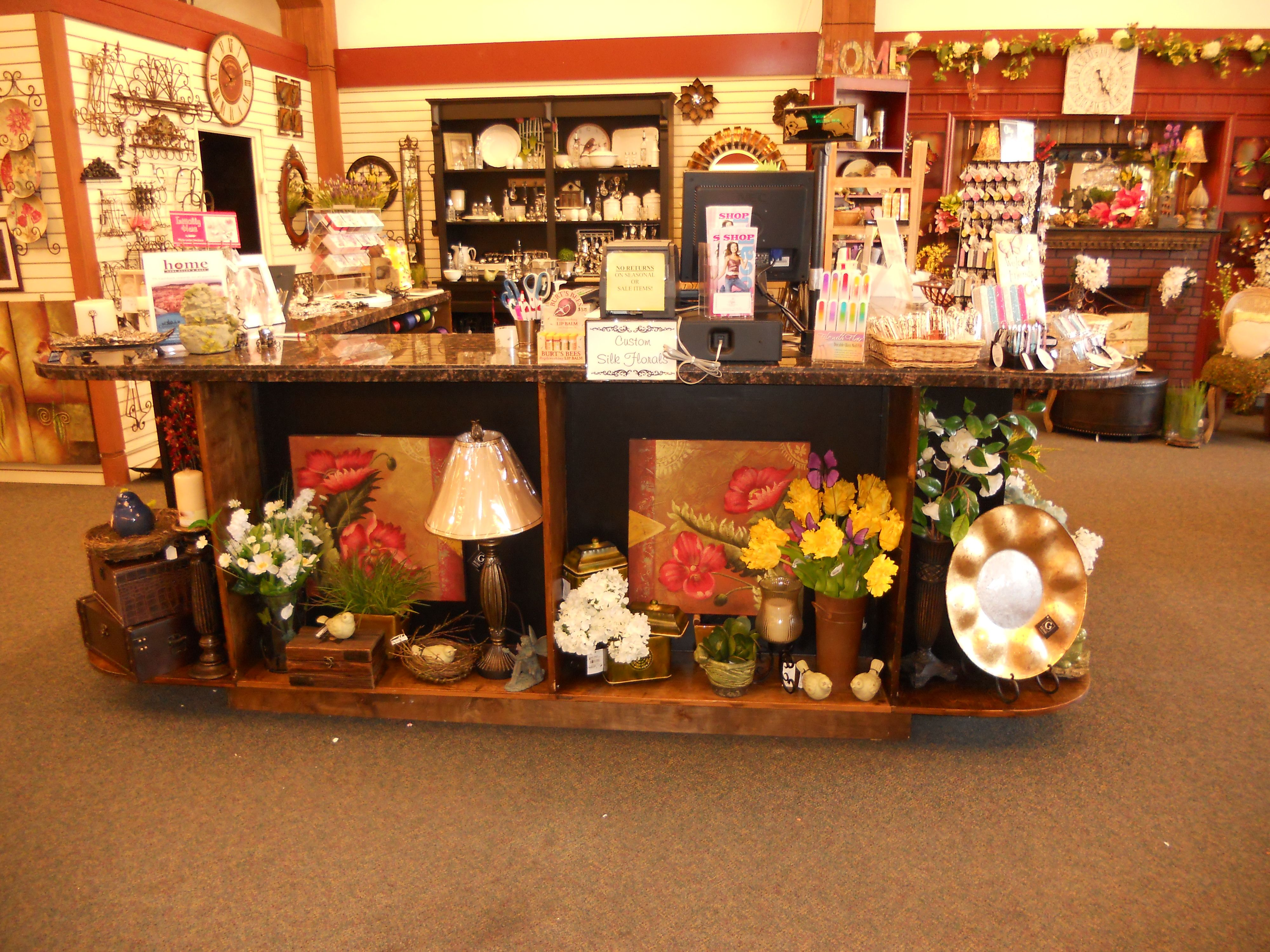Retail Store Display Ideas | Check Out Counter With Display Area On The Base
