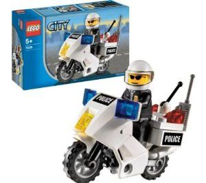 Lego City Police Motorcycle 7235 By Lego 16 94 Makes A Party Favor Gift Elements To Build Motorcycle Included 28 Elements Includes Police Avec Images Patrol