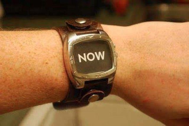 It's time. / C'est l'heure.