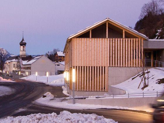 Holzskelettbau architektur  Kindergarten und Feuerwehrhaus in Thüringerberg | Holzbau und ...
