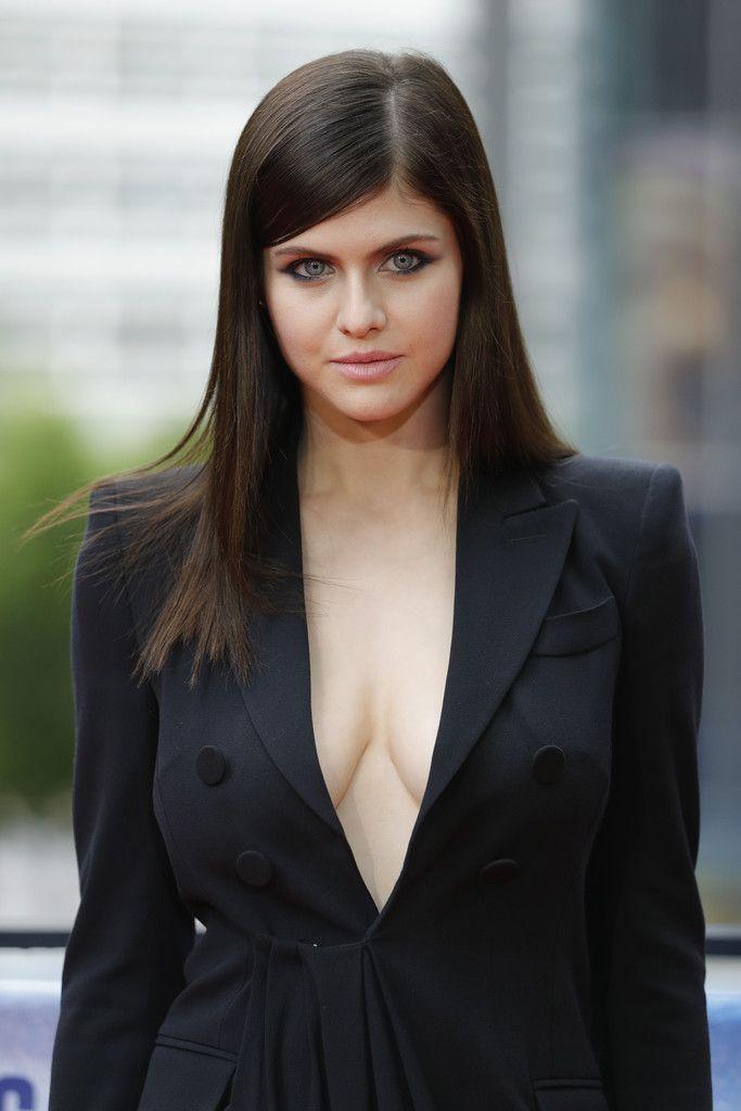 Pin By Steven Bretz On Hottest Celebrities Alexandra Daddario