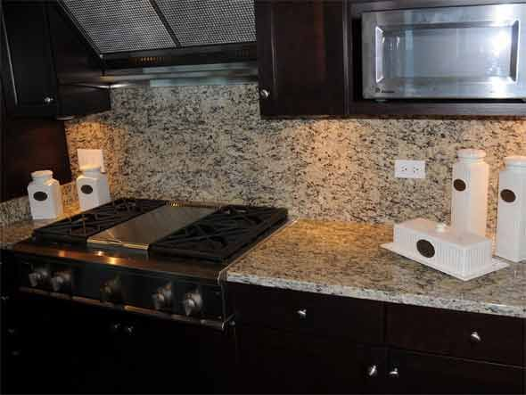 Light Granite Countertops Santa Cecilia Granite Countertops 2577 Santa Cecilia Light