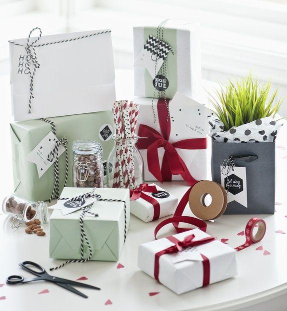 Innpakkningen er halve gaven! Innpakkning i deilige farger fra Stefan Papir og fine tags fra Therese Aamodt | Norway Designs