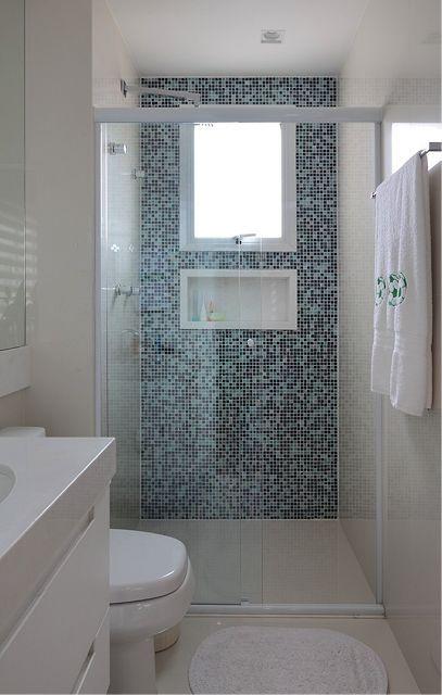 5 semplici trucchi per ristrutturare un bagno stretto e lungo arredo bagno piccolo small - Bagno idee per ristrutturare ...