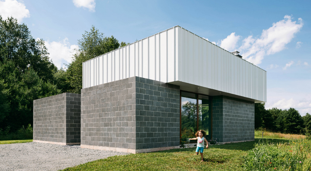 J Spy Uses Concrete Blocks To Form Catskills House In Rural New York With Images Concrete Blocks Structure Architecture