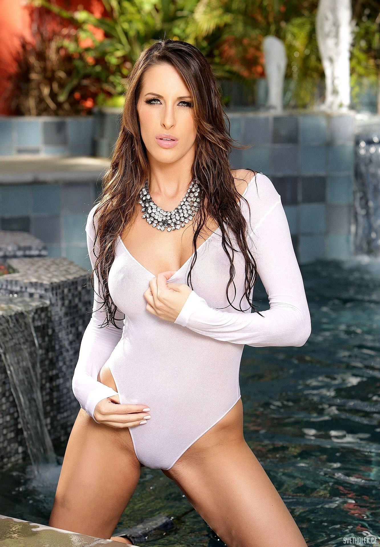 Kortney Kane Wet 45 Bra Cup Sizes Model Hot Beautiful
