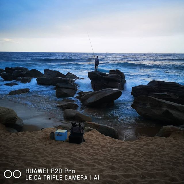 Your goals are just like catching the fish! You only know them and you only have to believe in them and work towards achieving them! Doesn't matter if you are alone on that path but just remain hopeful towards the same! #TheLifesWay #Photoyatra #Johannesburg #SouthAfrica #HuaweiP20pro #SeeMooore #LeicaTripleCamera #HuaweiSummerVibes #AashishRai #Blogger #SocialMediaInfluencer #walkingwithcamera #photographerwithpassion #instagrammer #6yearsofthelifesway www.thelifesway.com
