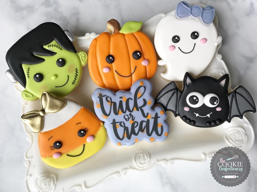 "Holli on Instagram: ""Looking forward to tomorrow's Halloween Beginner Cookie Decorating Class!!"