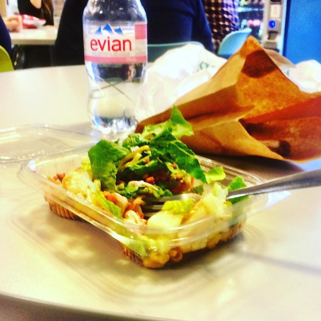 Me and my salad...love #gymlife sometimes ... #salad #gains #talented #life #lovefood #geekhumor #nailedit #geek #moodoftheday #healthylife #gym