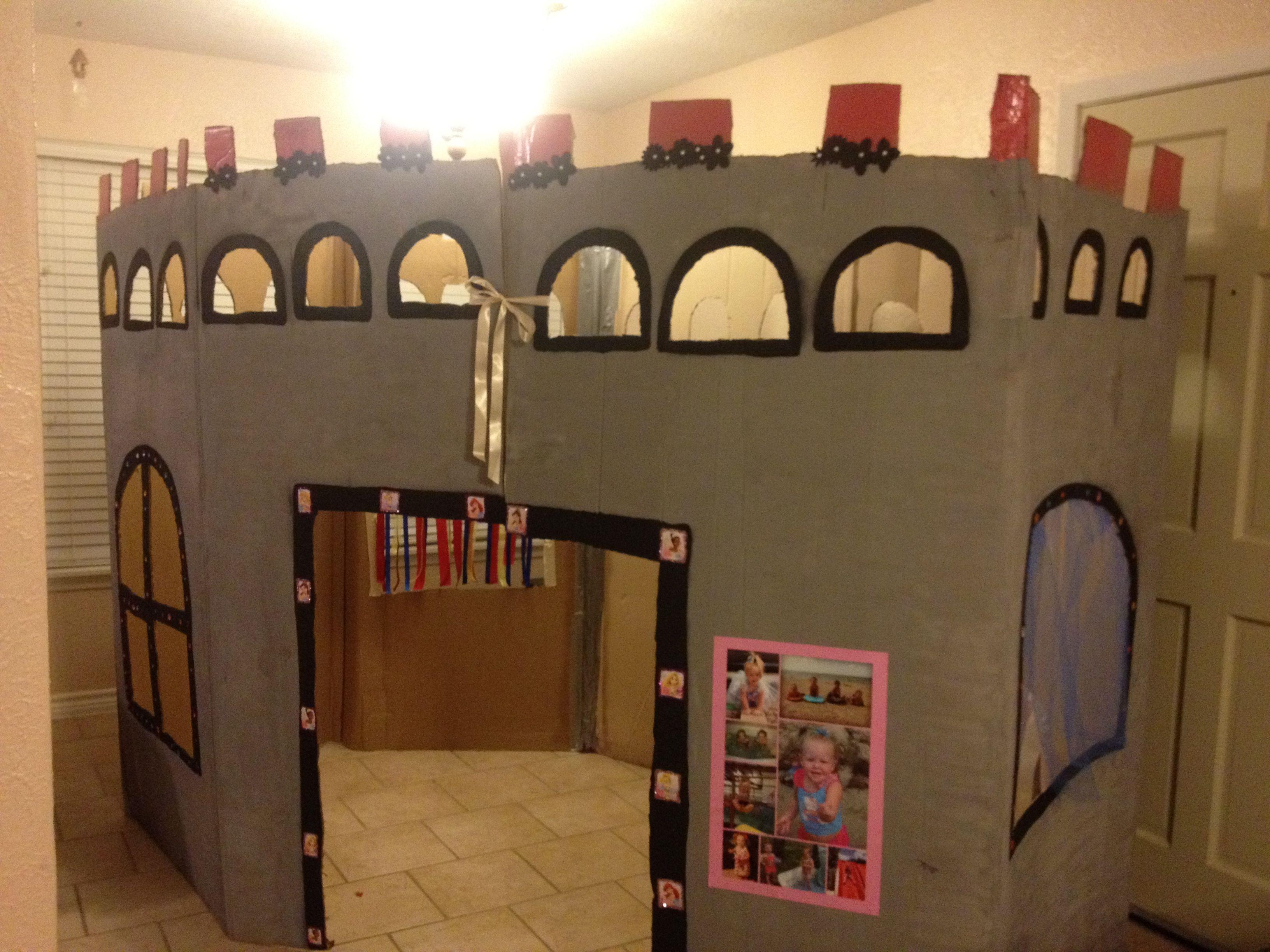 Cardboard castle | Princess party ideas | Cardboard castle