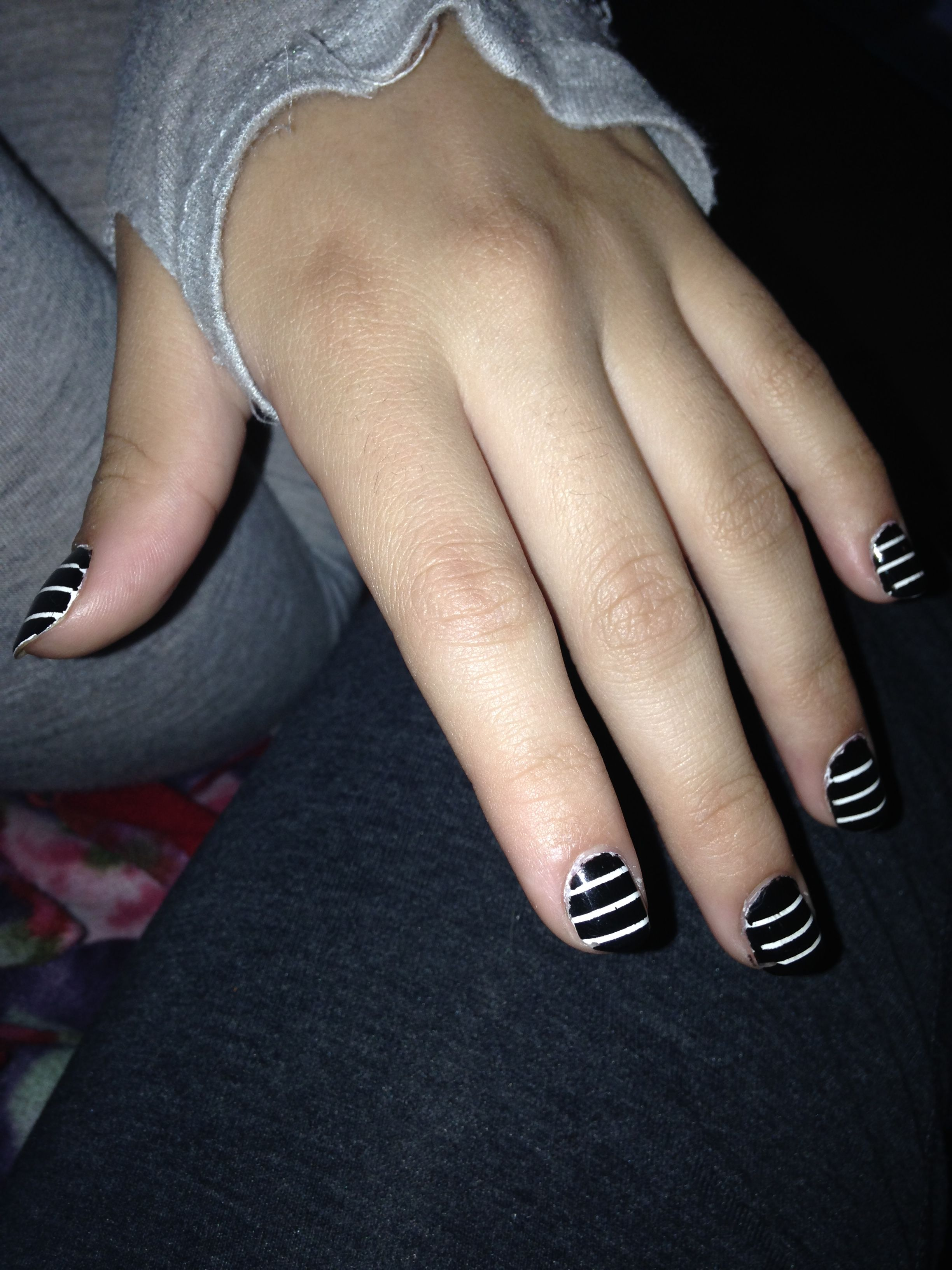 Easy Striped Bw Nails That I Did On My Sisters Nails For A School