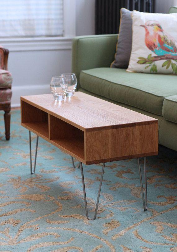 6a75b243a017 Onze moderne salontafel is half eeuw moderne geïnspireerd en is handgemaakt  met behulp van de hoogste kwaliteit hardhout--beschikbaar in uw keuze van  Walnut ...