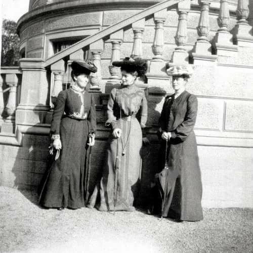 Three Hessian sisters at the wedding of Princess Alice in Darmstadt