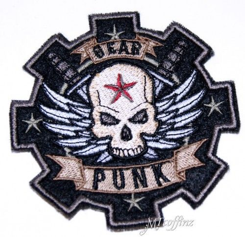 SteamPunk Gear Head Skull Wings Patch Embroidered Iron On MTCoffinz $8