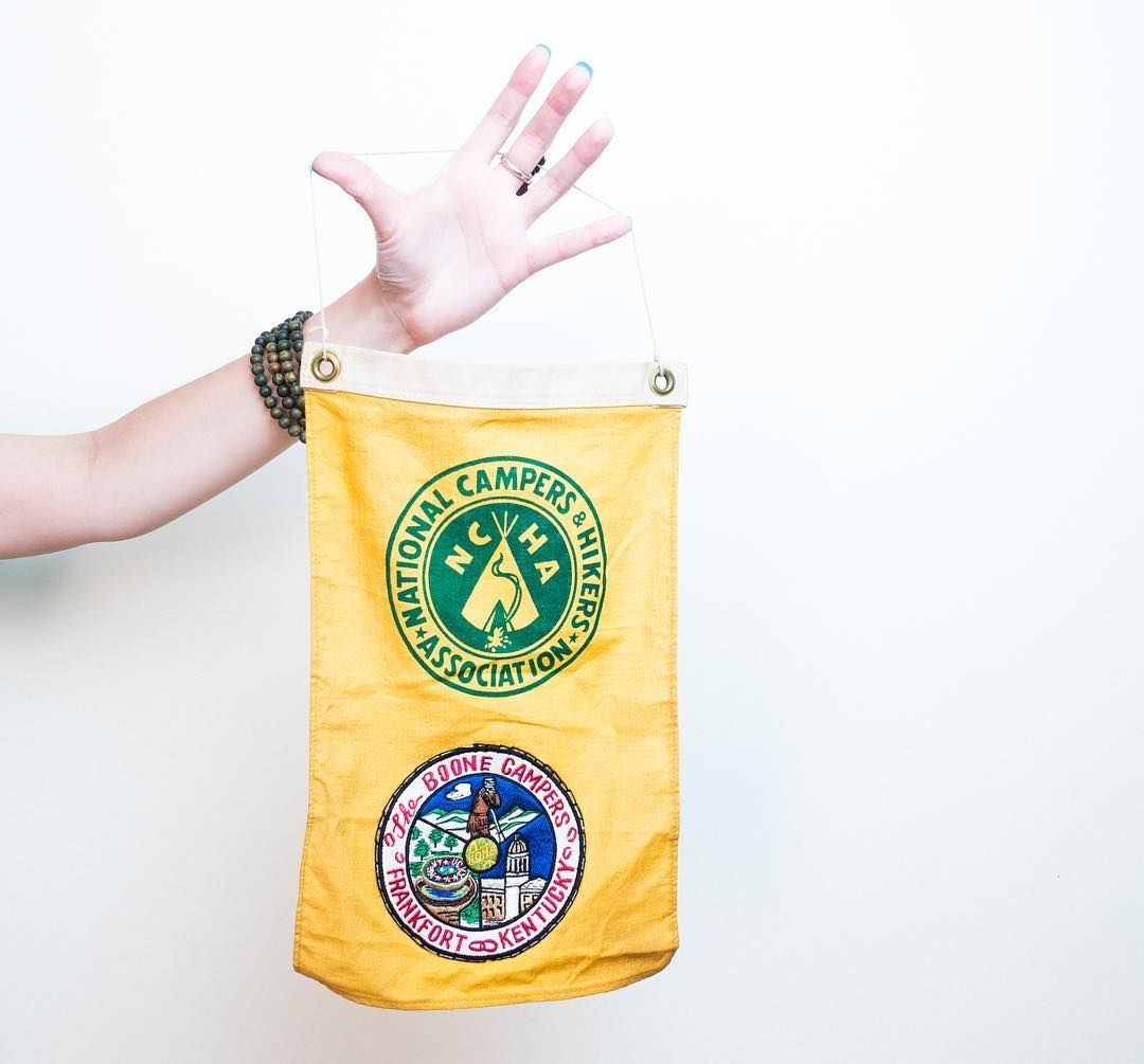 Who needs social media when you could simply fly this flag in front of your campsite to let your fellow hikers know you're cool? This great vintage NCHA flag was sourced over the weekend and we think it's swell! Check it out in the store along with a few other new pieces! Link is in the bio. #vintage #ky #kentuckykicksass #lifestyle #travel #survival #etsy #etsyshop #etsyseller #rrg #redrivergorge #craft #handmade #wildlife #equipment #camping #outdoors #decor #hiking #camp #antique…