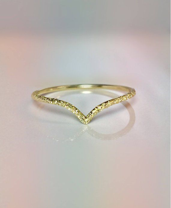 94e9d30a67e07 14k 10k Solid Gold Ladies Elegant V Chevron Ring - Delicate Gold ...