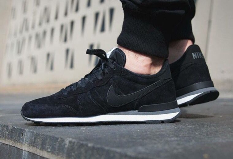 Pin on Nike Internationalist