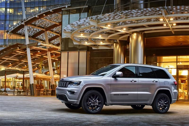2017 Jeep Grand Cherokee Night Eagle Images With Images Jeep