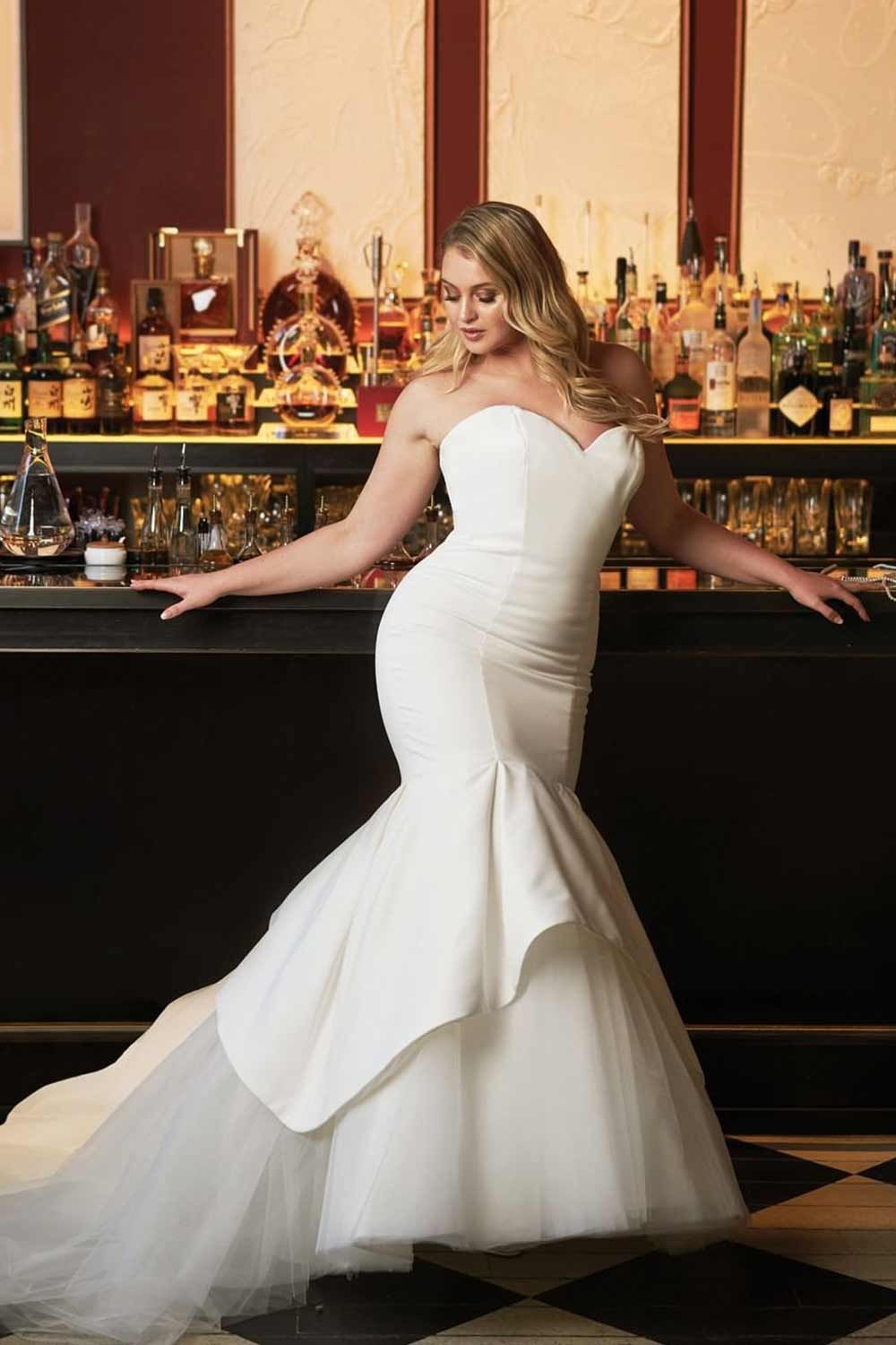 Plus Size Wedding Dresses For The Most Beautiful And Curvy Brides Satin Mermaid Wedding Dress Curvy Wedding Dress Plus Wedding Dresses [ 1500 x 1000 Pixel ]