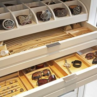 Elegant Closet Features That Make Storage A Breeze Pictures Gallery