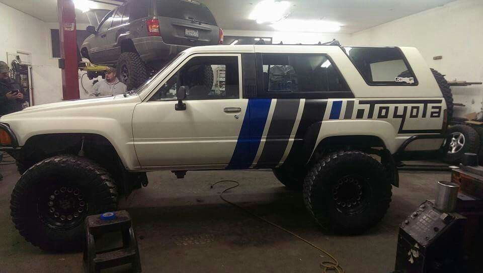 Toyota 4runner decal crawler