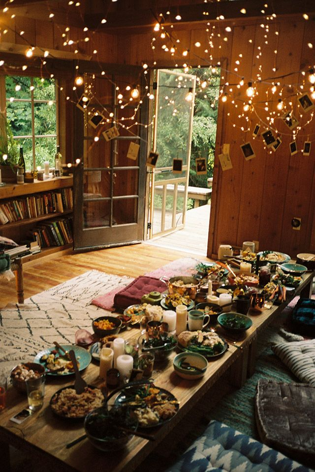 US@UO: Friendsgiving in Washington - Urban Outfitters - Blog #fairylights