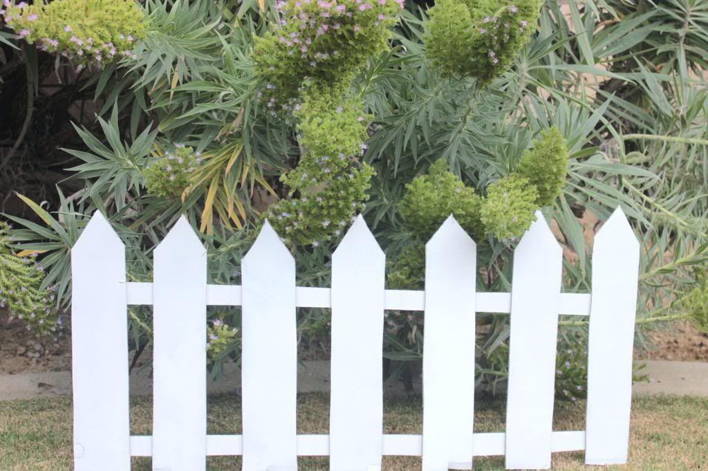 Easy Cardboard Picket Fence Decoration Fence Decor Backyard Fence Decor Picket Fence