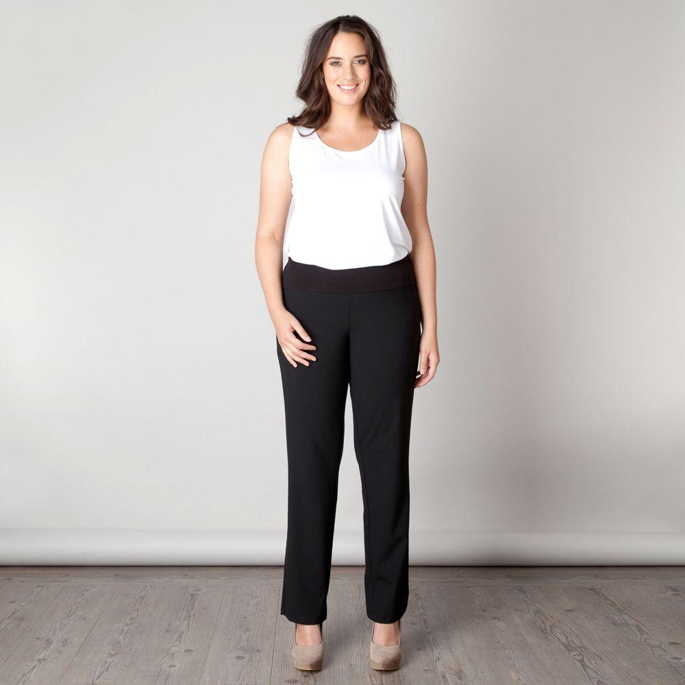De Dublin pant is een broek met een klassieke uitstraling. De tricot tailleband zorgt voor een prettig draagcomfort. Met een mooi vest of jasje krijgt... Bekijk op http://www.grotematenwebshop.nl/product/broek-dublin-van-x-two-voor-vrouwen-met-grote-maten-4/