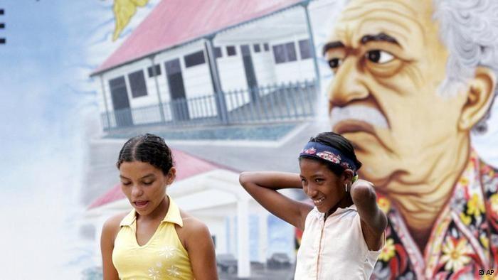 El realismo mágico en alemán: habla traductora de Gabo | Literatura | DW.DE | 23.04.2014