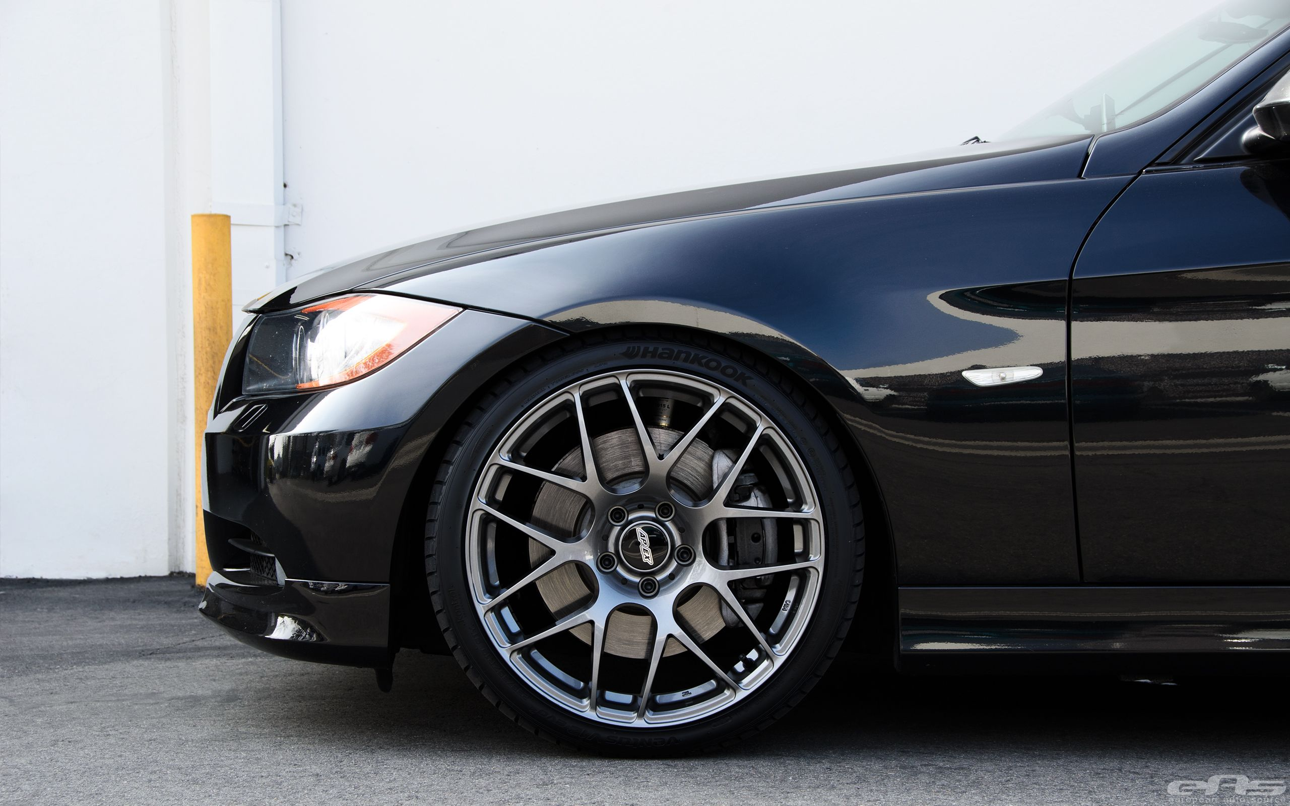Jet Black Bmw E90 335i Looks Clean With Aftermarket Wheels Bmw Black Audi Aftermarket Wheels