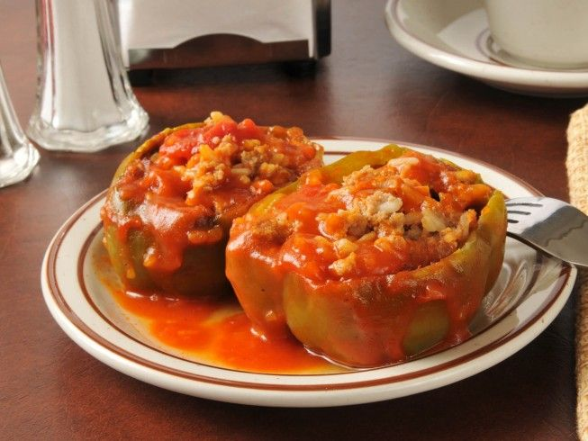 A Microwave Version Of Stuffed Bell Peppers Made With Ground Beef Rice Egg And Tomato Sauce Cdk Stuffed Peppers Italian Stuffed Peppers Peppers Recipes