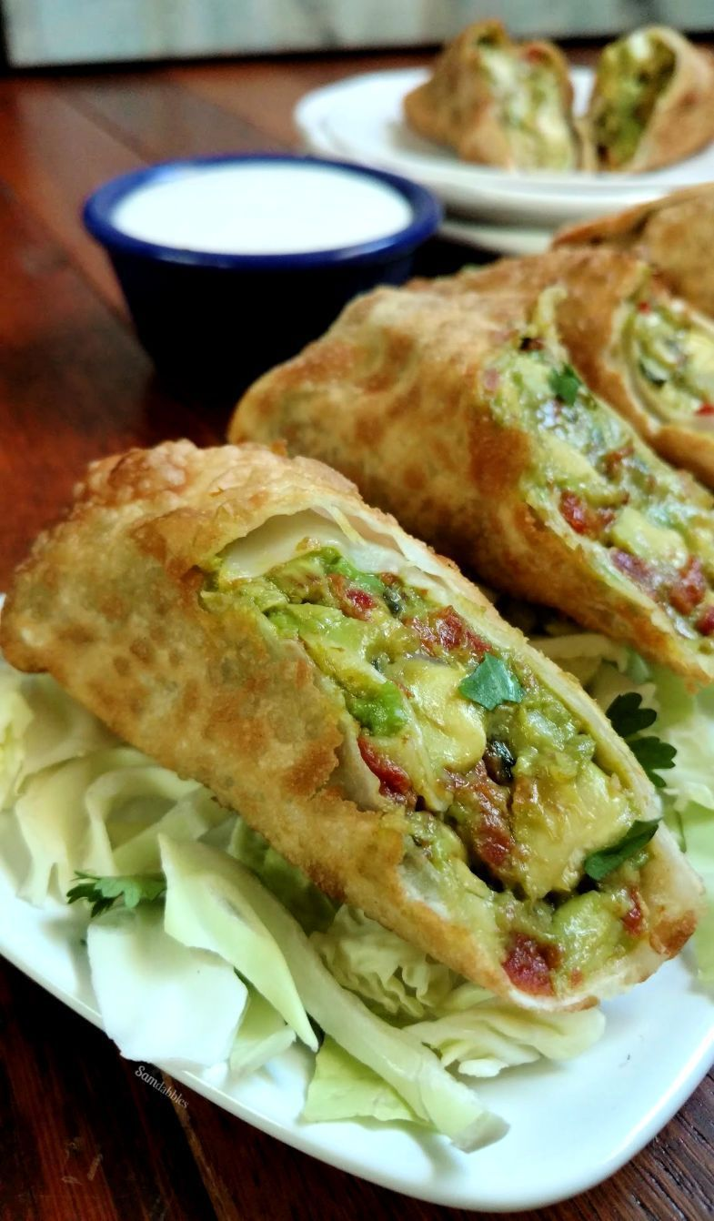 Copycat Avocado Egg Roll Recipe from The Cheesecake Factory #cheesecakefactoryrecipes