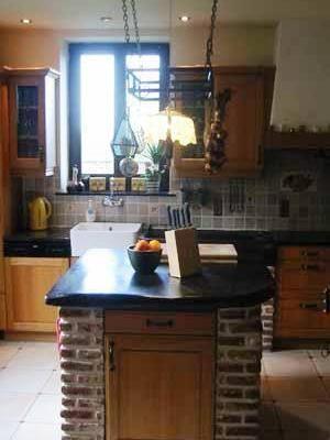 Modèle de cuisine classique présenté par le cuisiniste La Chaise