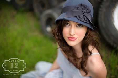 i am totally going to buy a hat like this for my senior pictures!!!