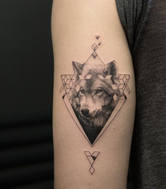 50 Of The Most Beautiful Wolf Tattoo Designs The Internet Has Ever Seen Kickass Things Geometric Wolf Tattoo Wolf Tattoo Design Tattoos