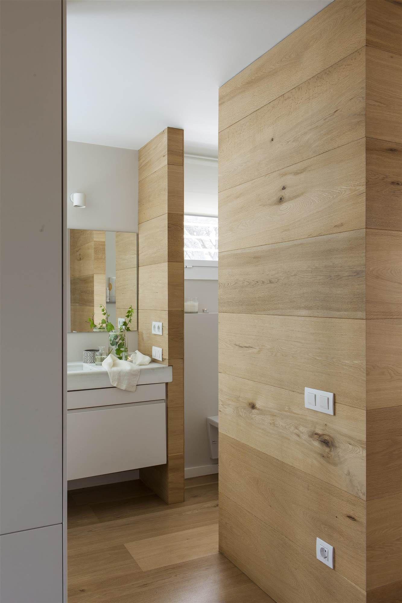 Paredes de madera y ba o blanco 00447118 o en 2018 ba o for Revestimiento de madera para banos