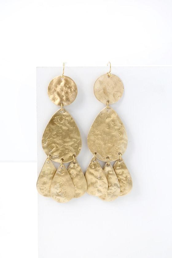 Gold drop earrings Boho Style Earrings Modern earrings Chandelier earrings Gold disc earrings Hammered Disc Earrings Dangle Earrings