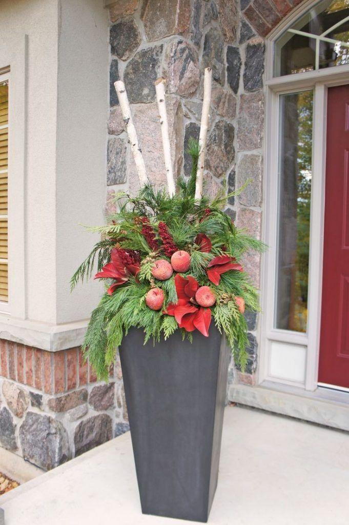 Outdoor Christmas Planter Ideas Inspiring Pots Elegant Perfect Home Interior 29 #weihnachtsdekohauseingangaussen