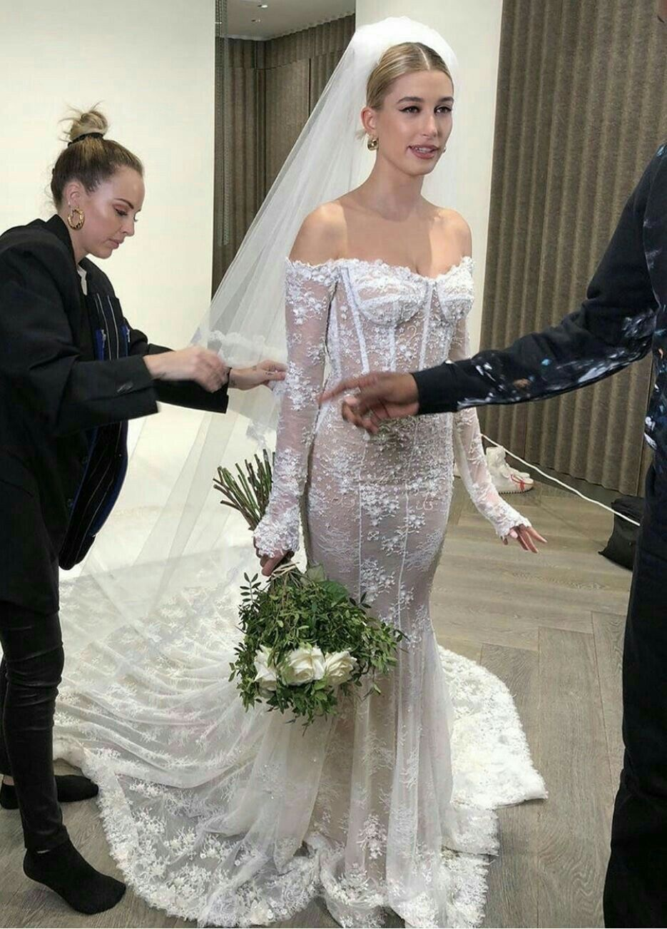 Hailey Bieber In 2021 Celebrity Wedding Dresses Wedding Dresses Ball Gowns Wedding [ 1302 x 935 Pixel ]