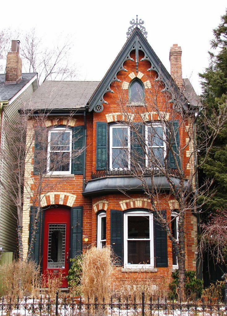 Photo of Heritage Home su 60 Spruce Street, Cabbagetown, Toronto, ON
