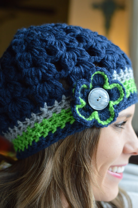 Adult Seahawks Super Bowl Fan Woman Bubble Hat Crochet Flower Shell Butoon 12th  Man Chunky Beanie 61cb2c661
