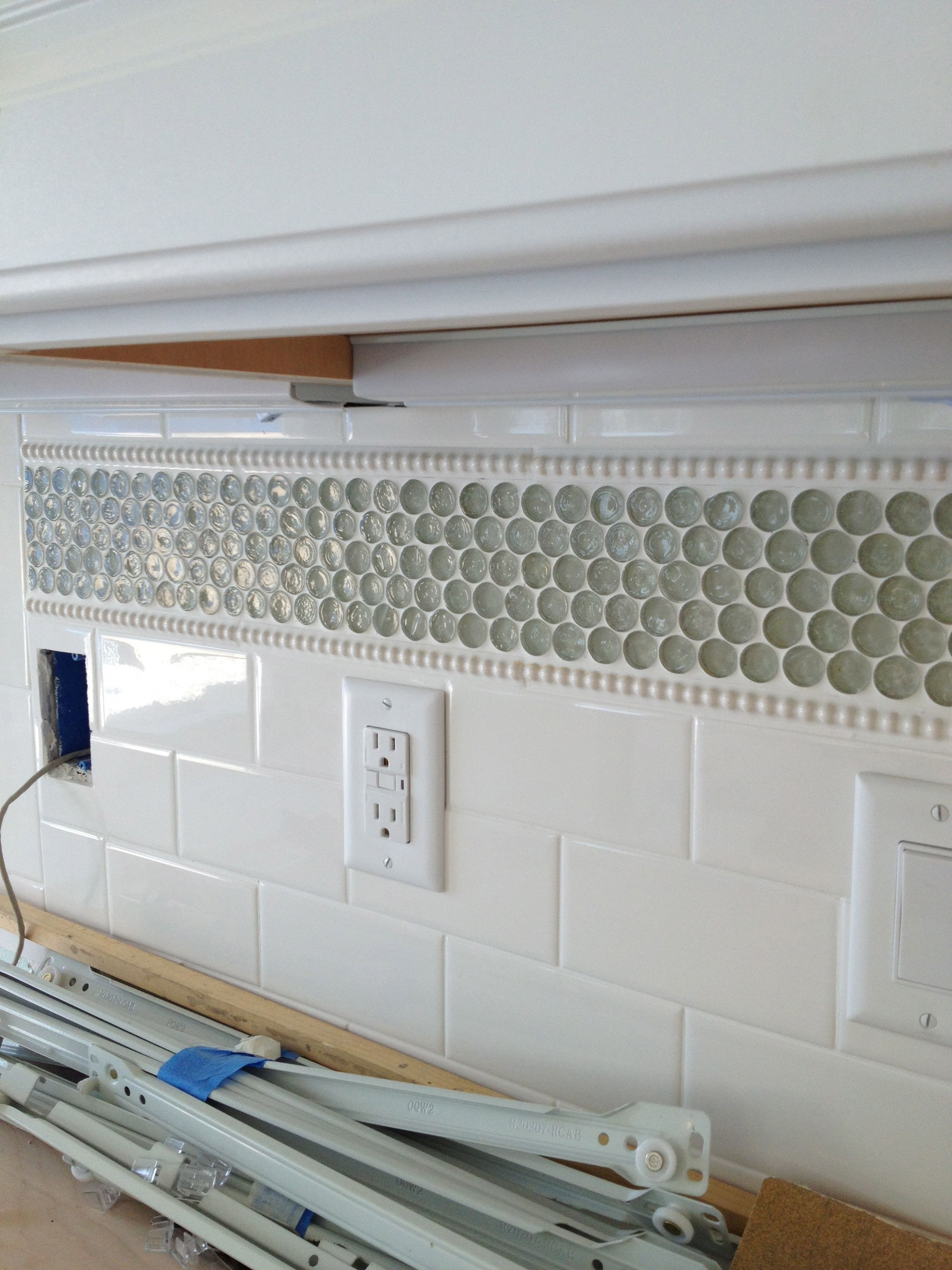 Love This Backsplash White Tile Backsplash Tile Accent Wall Kitchen Penny Tiles Bathroom