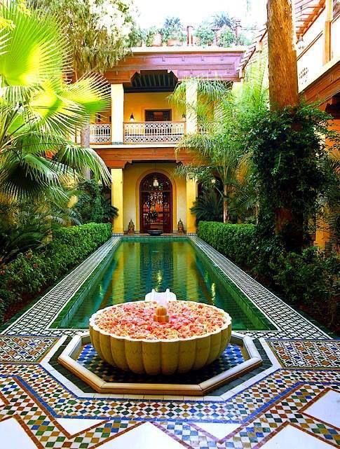 Arquitectura rabe el interior de las casas rabes ha de for Elementos de decoracion de interiores