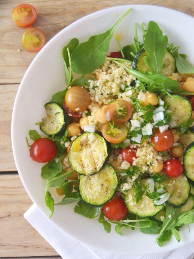 Salada de grão com cuscuz, courgette e tomate // Chickpea, couscous, zucchini, tomato salad