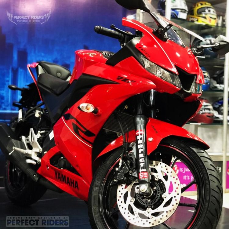 Perfect Riders Presents It S Newly Customised Lusty Red R15 V3
