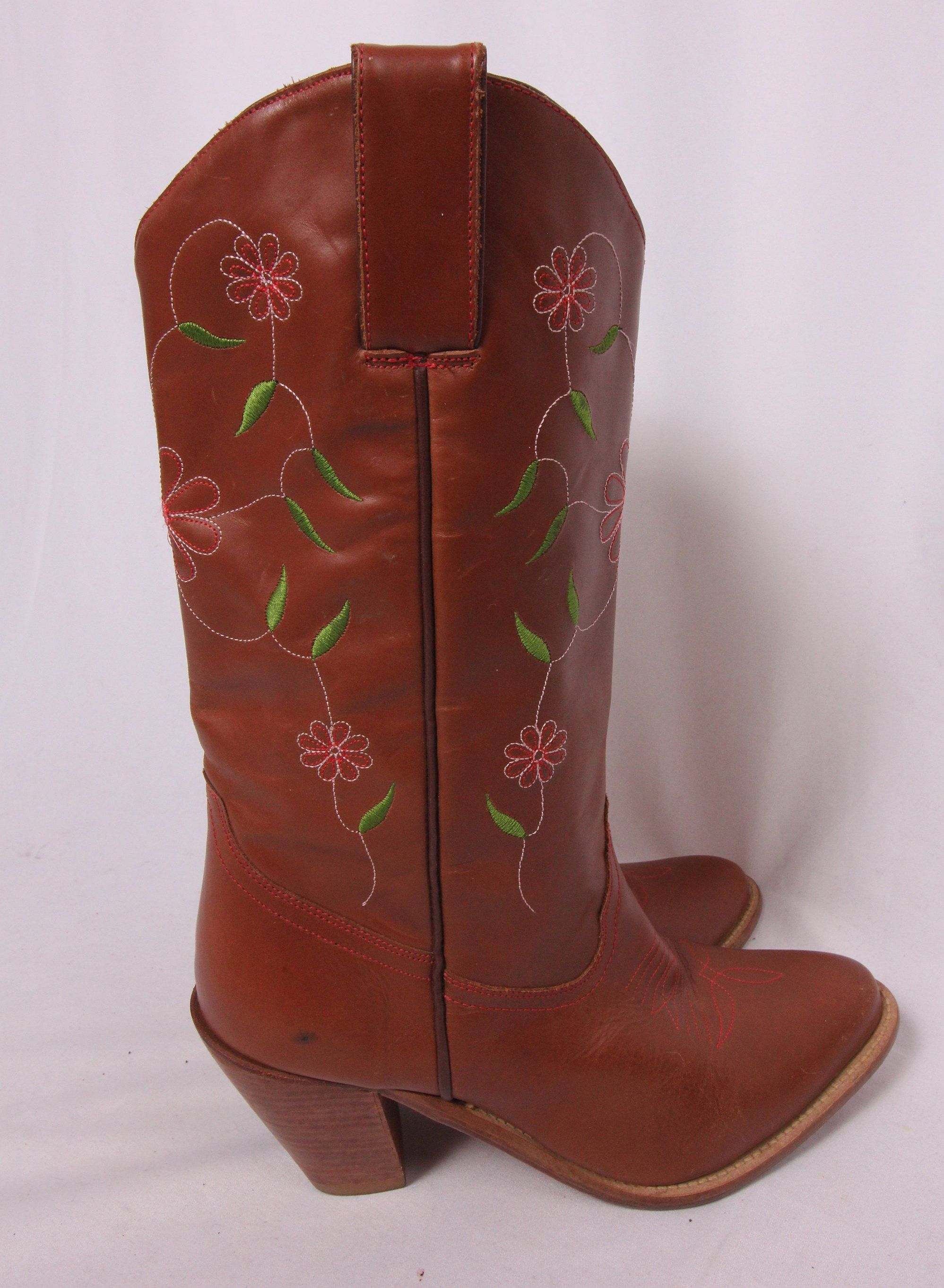 d5f82a98d2a Vintage 'Dingo' Brown Leather Cowboy Boots W/ Embroidered Flowers ...