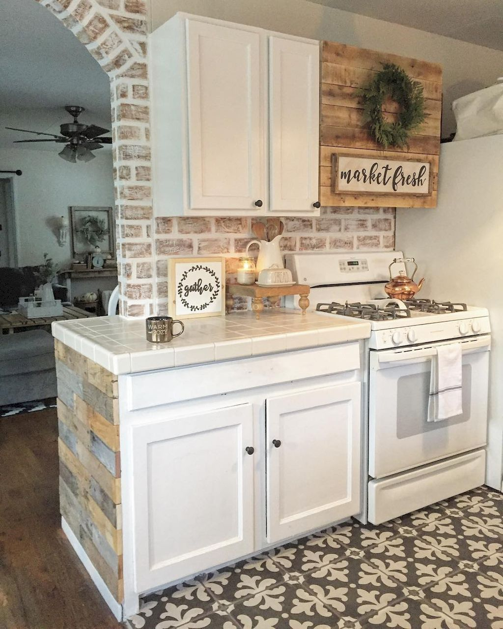 Farmhouse Kitchen Backsplash Ideas: 70 Tile Floor Farmhouse Kitchen Decor Ideas