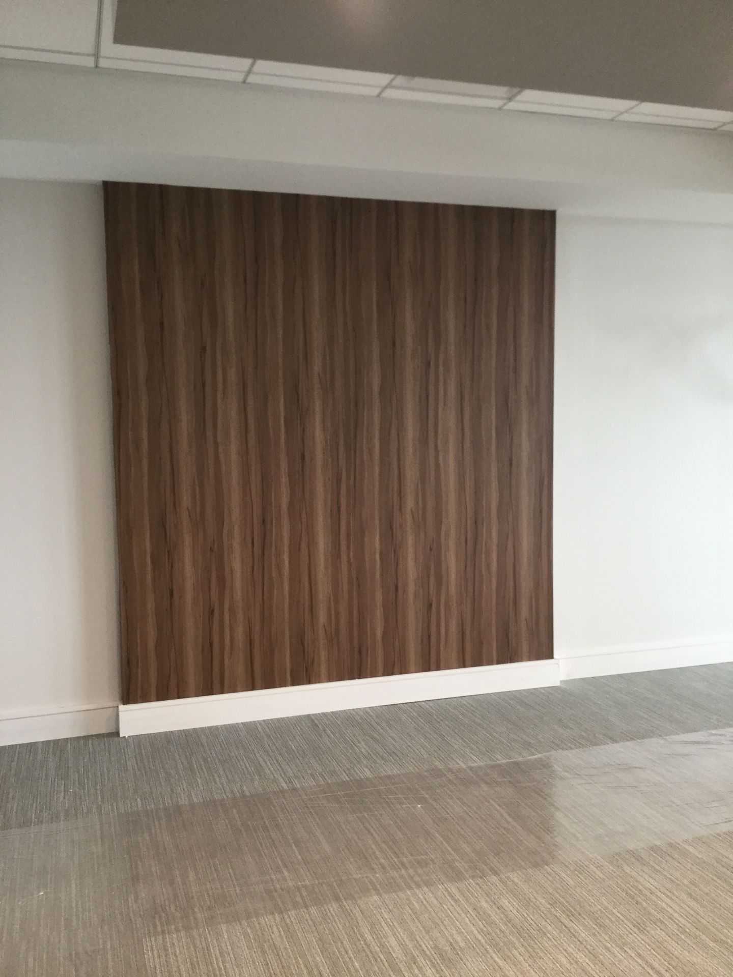 3M Di Noc Architectural Finish In Fine Wood Installation At The