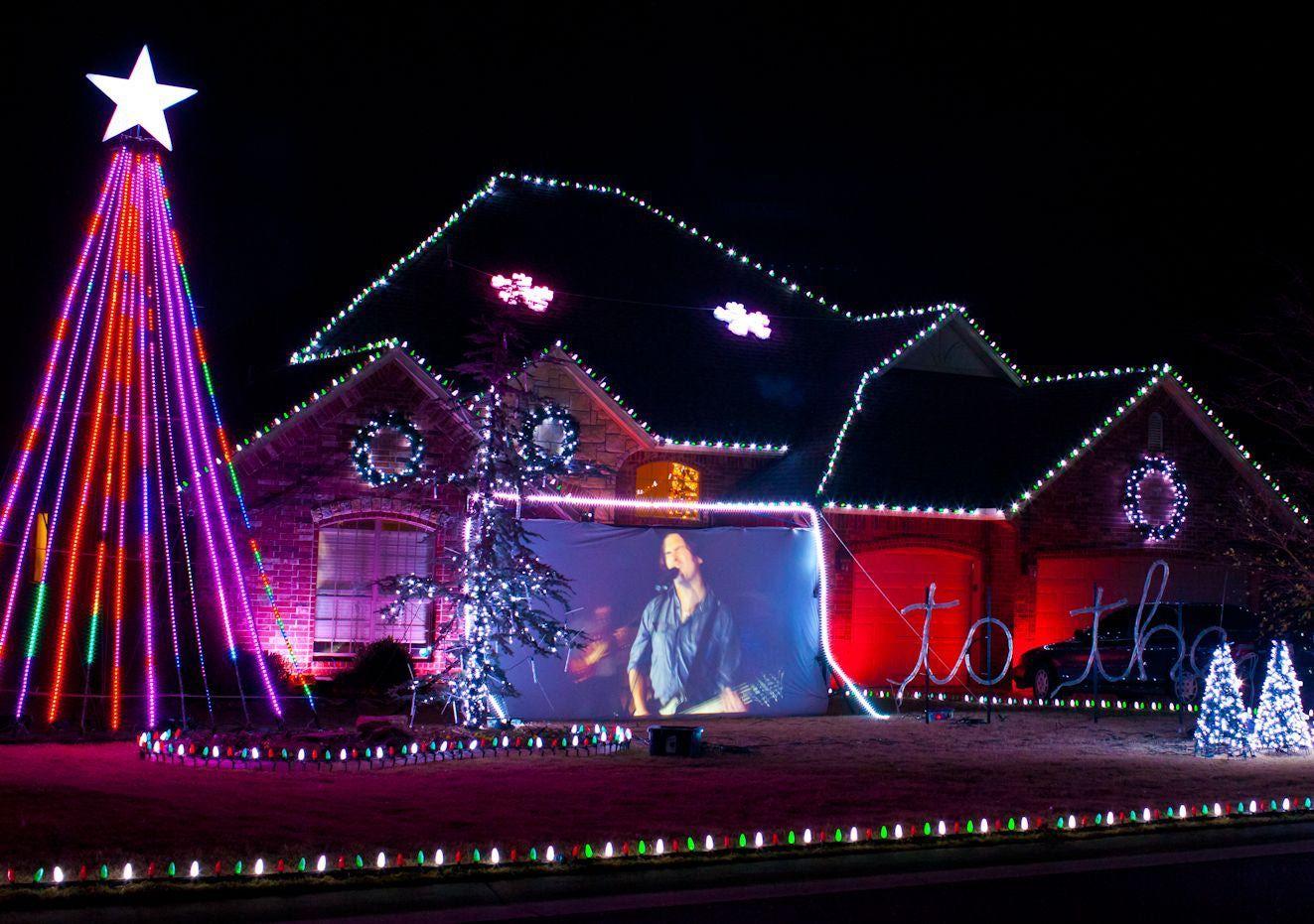 Christmas Lights Show Near Me.Check Out These Okc Neighborhood Holiday Lights Sleigh